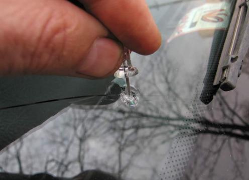 Заделка трещин на лобовом стекле видео