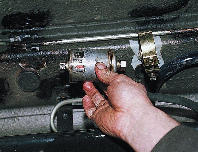 Как заменить топливный фильтр
