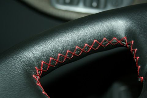 Перетяжка руля автомобиля кожей своими руками