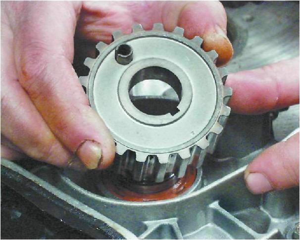 Фото №31 - как снять шкив коленвала ВАЗ 2110
