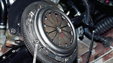 Замена сцепления ВАЗ-2110