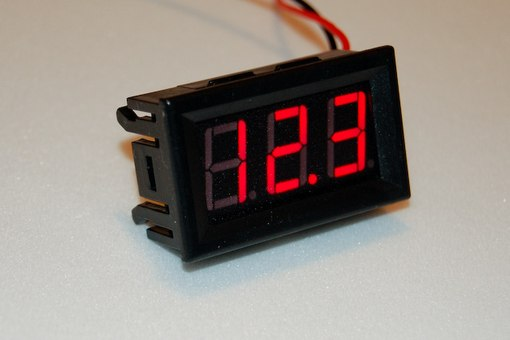 электронные вольтметр для автомобиля своими руками
