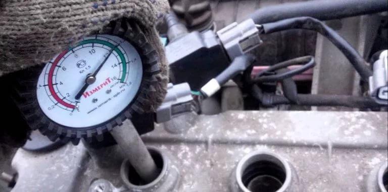 Измерение компрессии в моторе