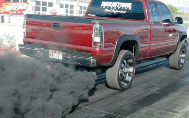 Почему дымит дизельный двигатель