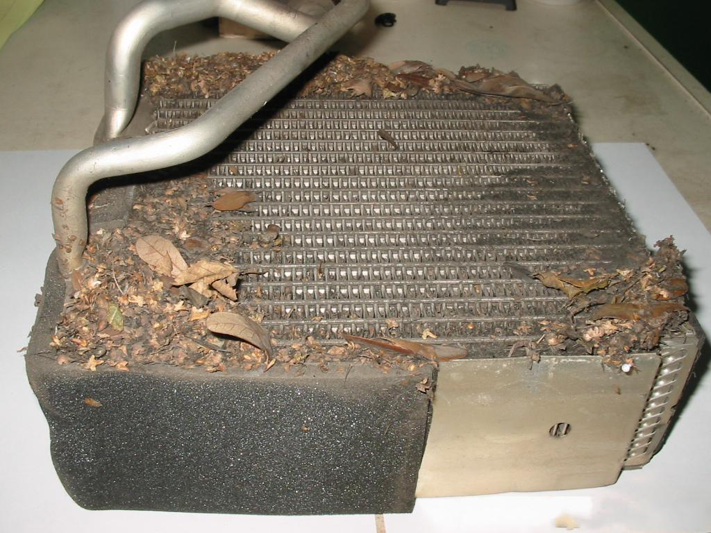 Грязный радиатор кондиционера