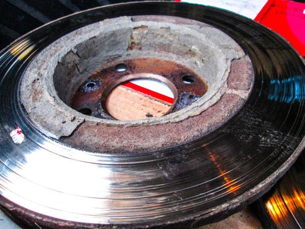 Изношенные тормозные диски