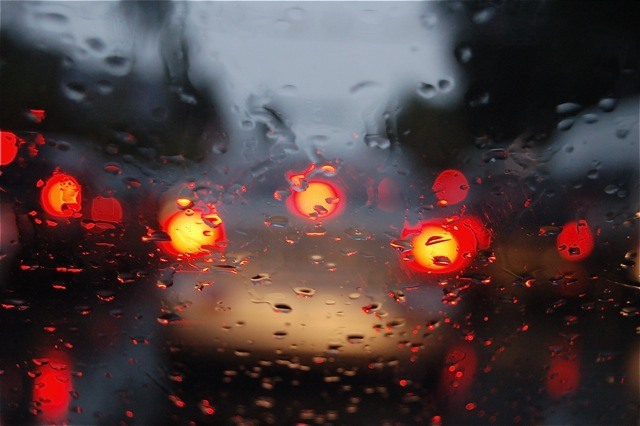 Как ехать в дождь на машине