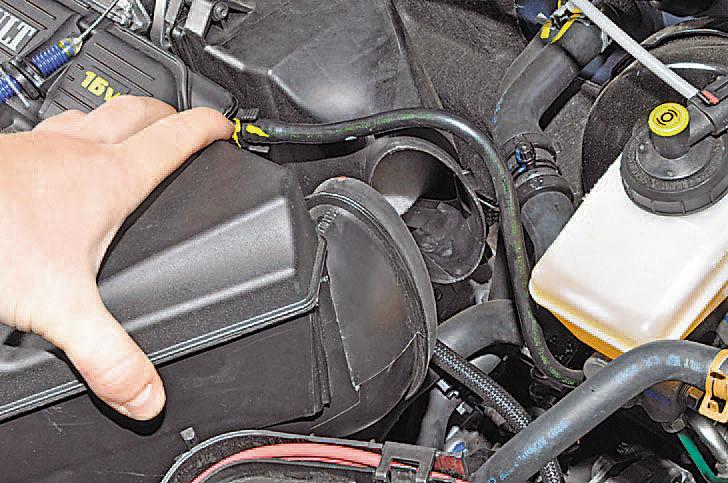 Как поменять резонатор воздушного фильтра