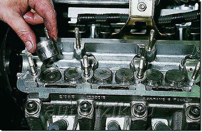 Как поменять сальники клапанов