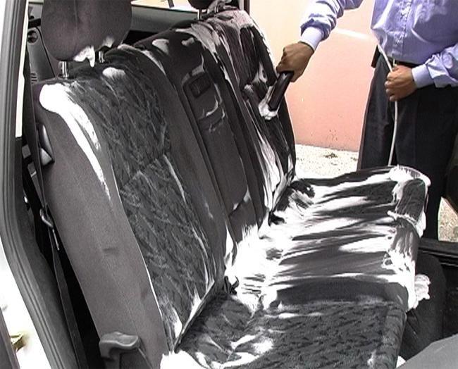 Как помыть салон автомобиля своими руками