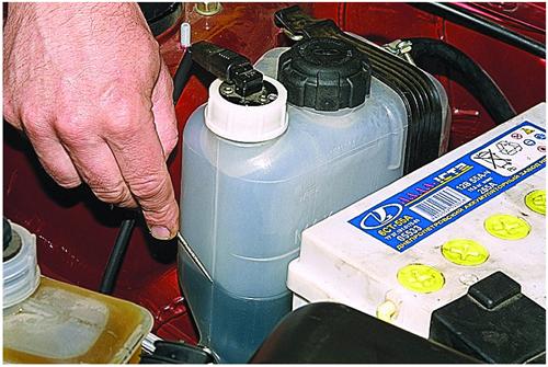 Как проверить уровень охлаждающей жидкости