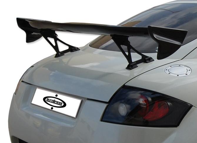 Карбоновый спойлер на крышку багажника