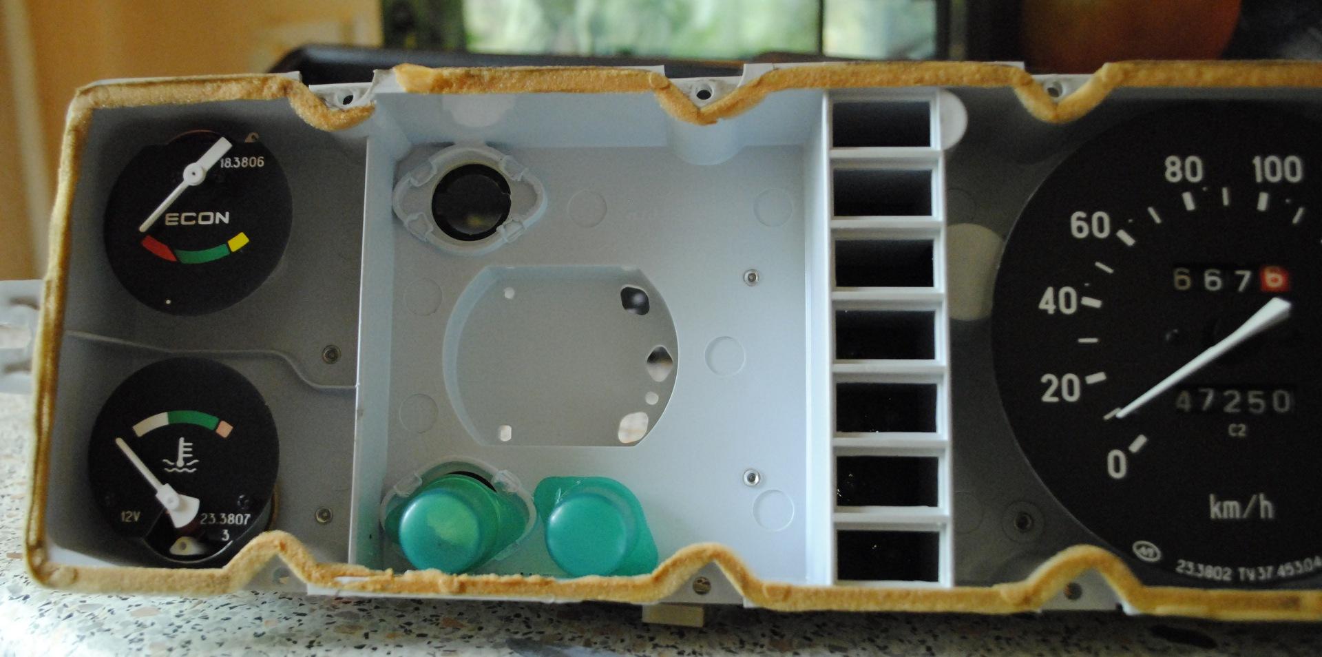 Лампочки в приборной панели ВАЗ 2107