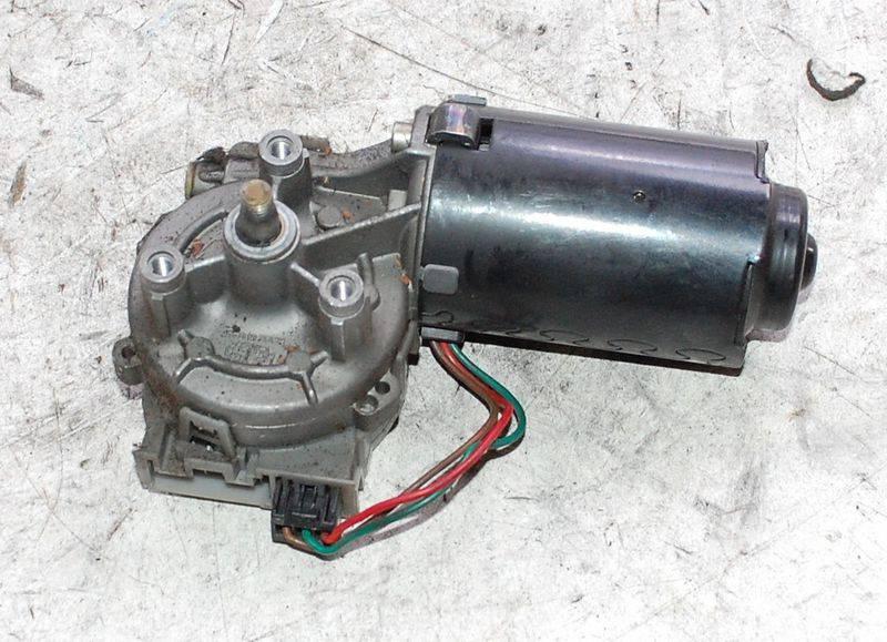 Мотор стеклоочистителя с редуктором