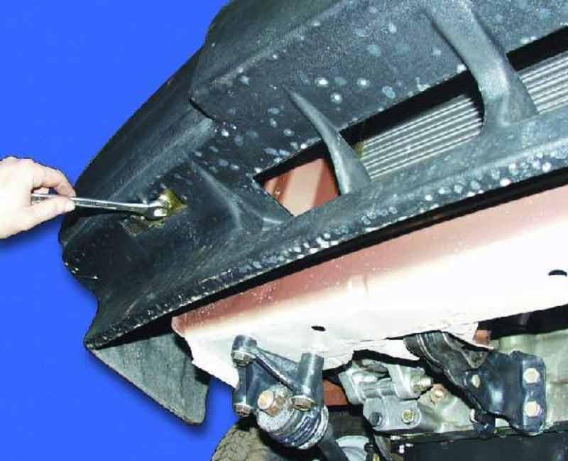 Нижний болт переднего бампера ВАЗ 2108 – 21099
