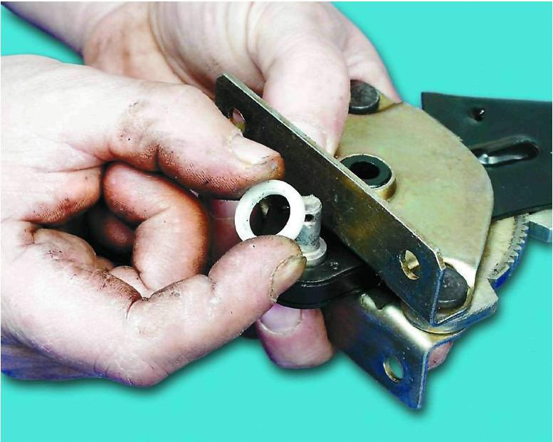 Ремонт рычага привода стояночного тормоза