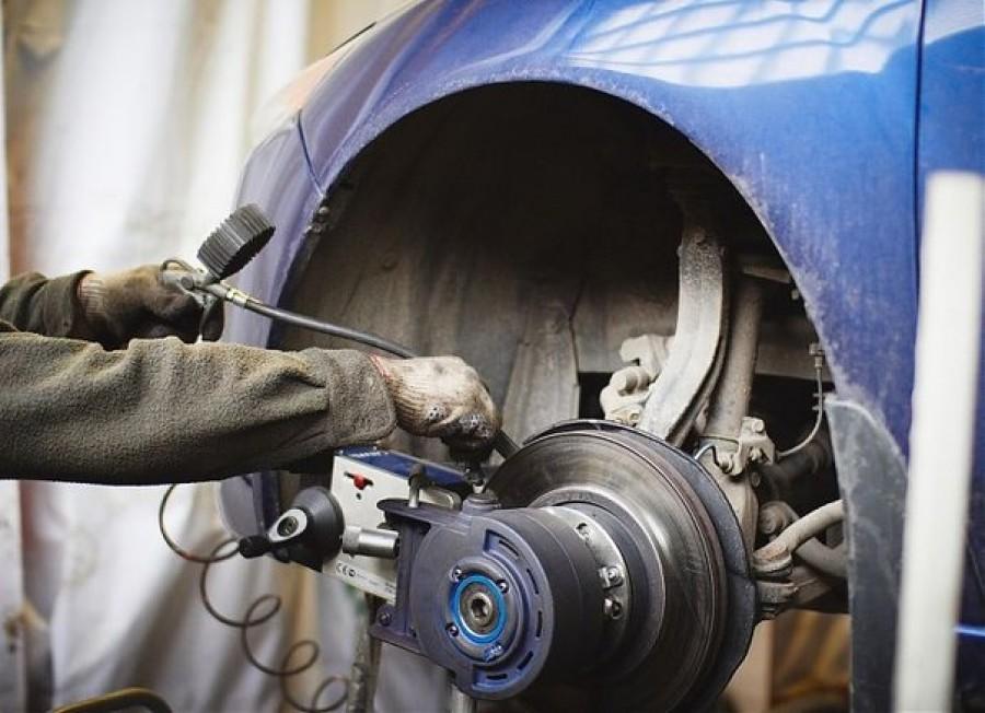 Станок для проточки дисков на автомобиле