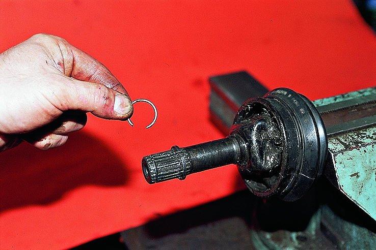 Стопорное кольцо наконечника трубы приводного вала