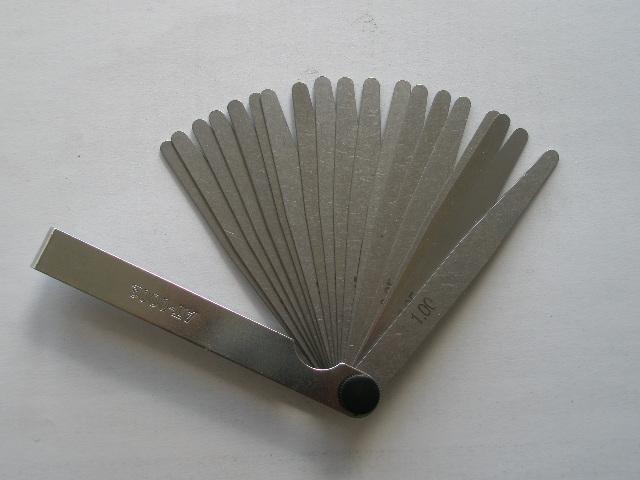 Универсальный щуп для регулировки тепловых зазоров клапанов
