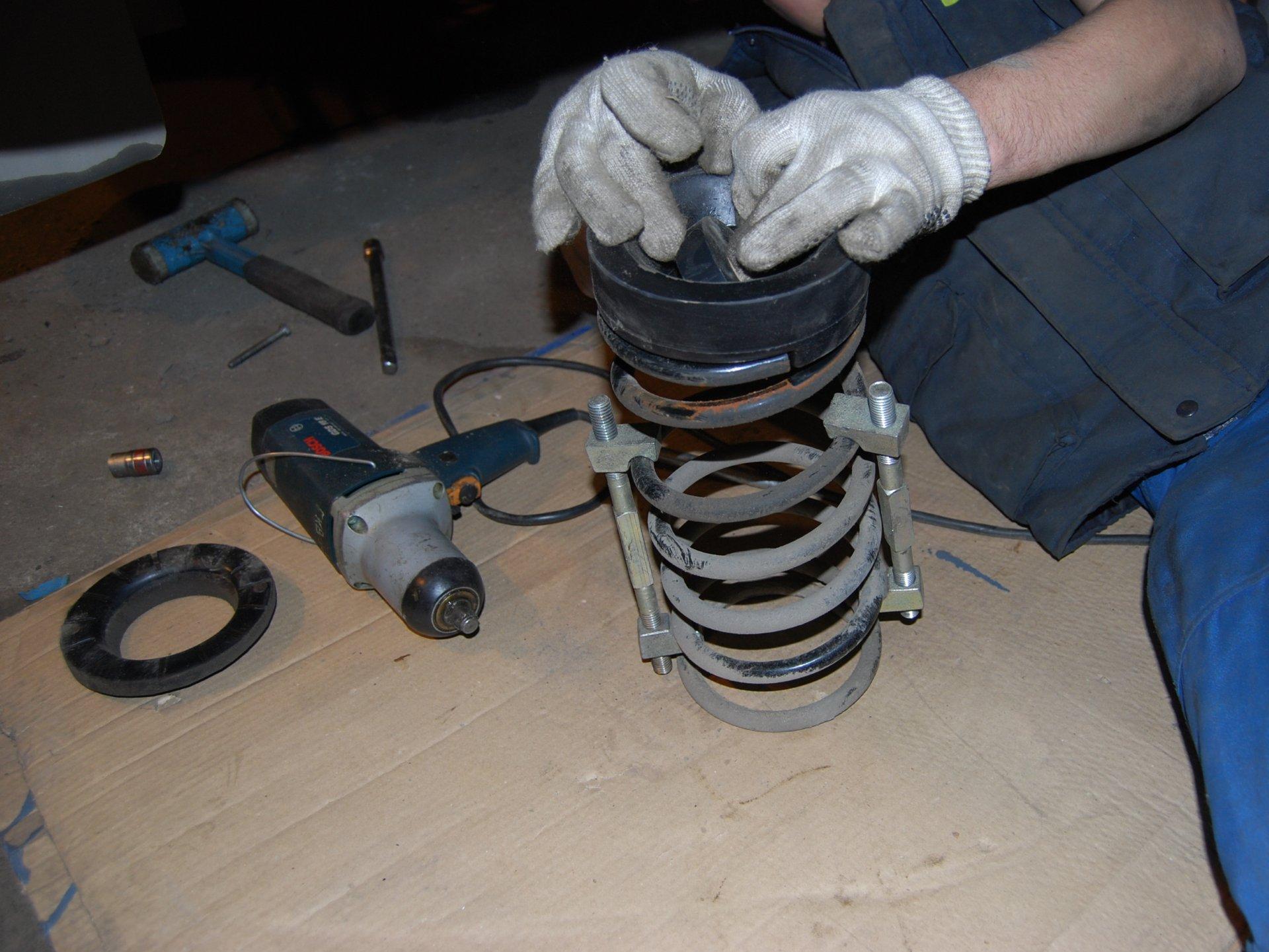 Установка проставки пружин подвески