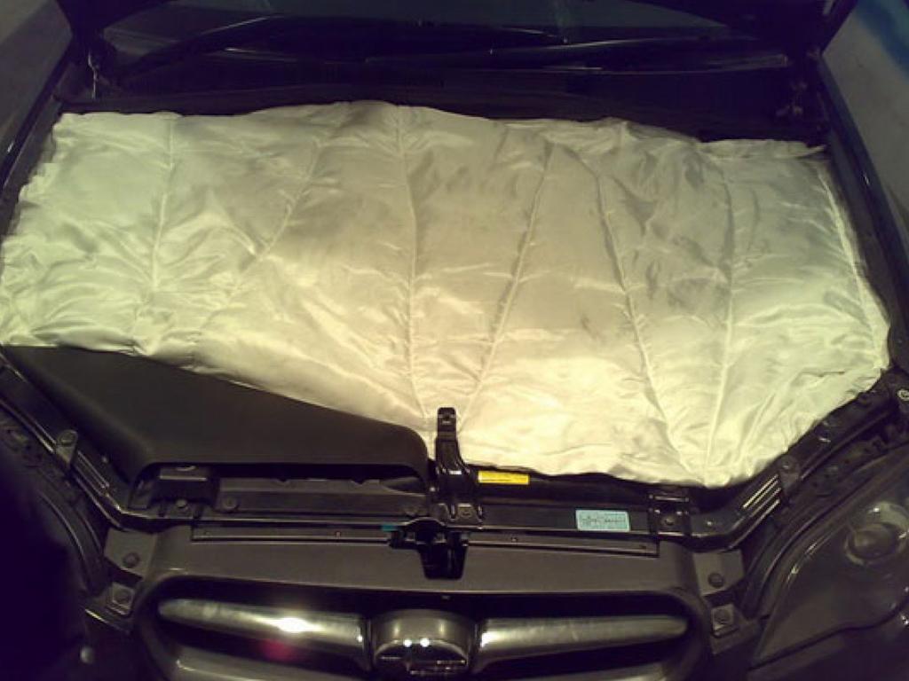 Утепление двигателя с помощью одеяла