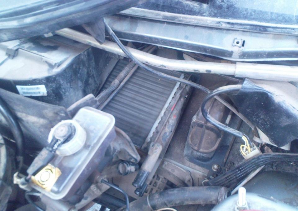 Вытаскивание радиатора из печки