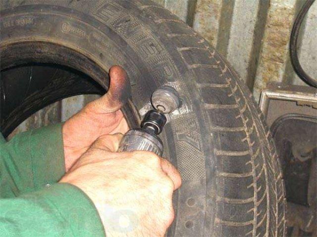 Зачистка поверхности шины