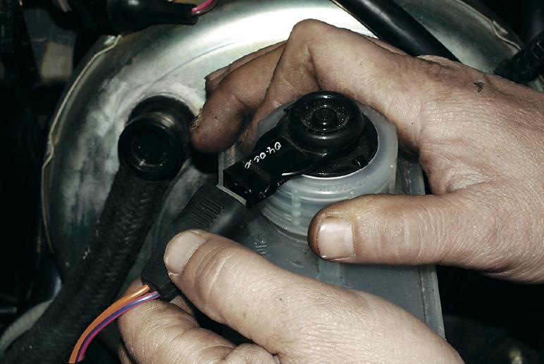 Замена и ремонт вакуумного усилителя (ВУ)