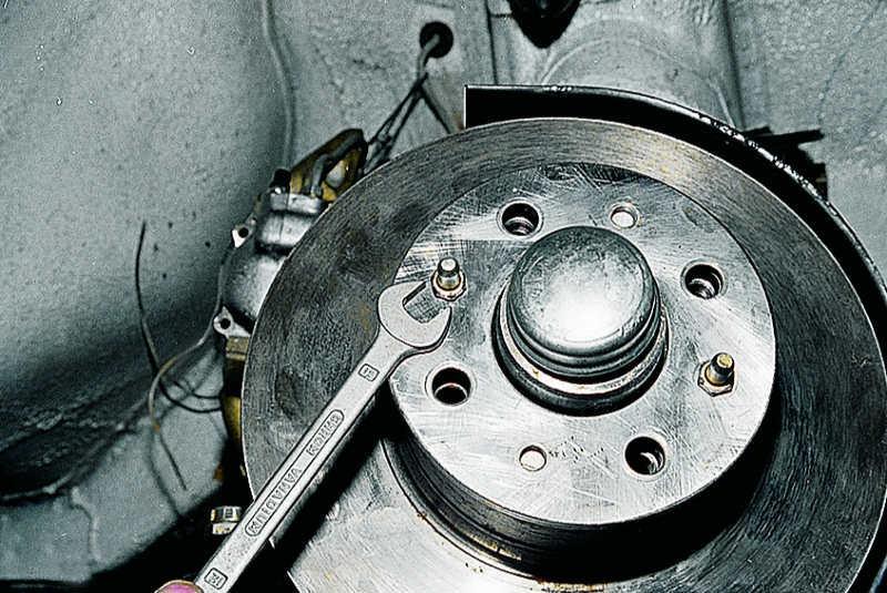 Замена передних тормозных дисков ВАЗ