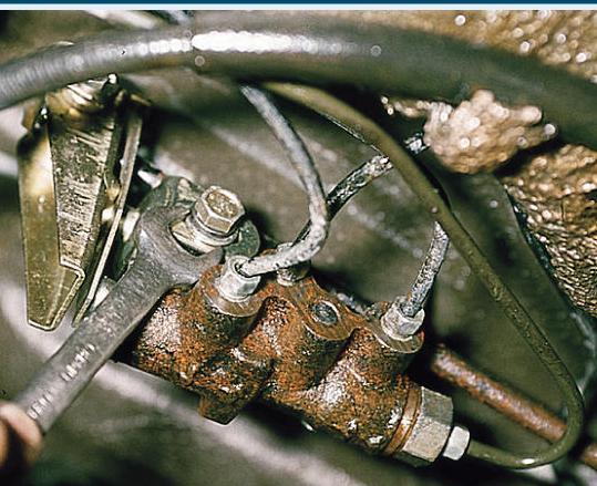 Замена регулятора давления в тормозной системе