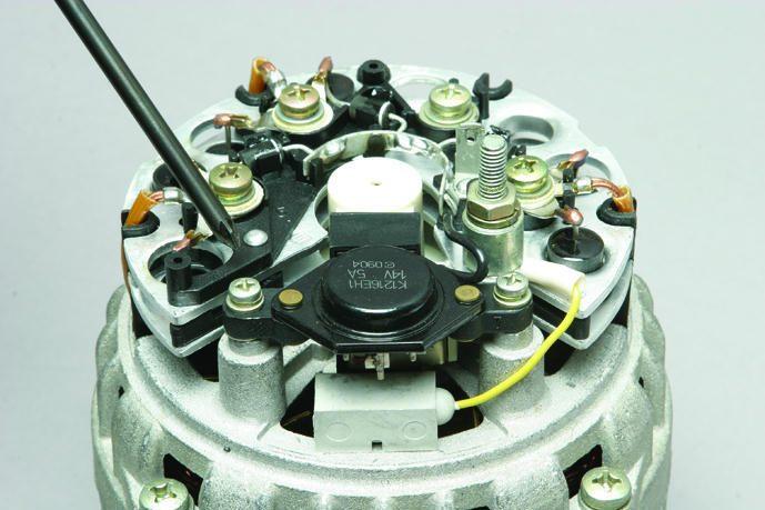 Замена регулятора напряжения генератора ВАЗ 2110