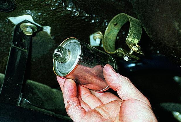 Замена топливного фильтра ВАЗ-2108